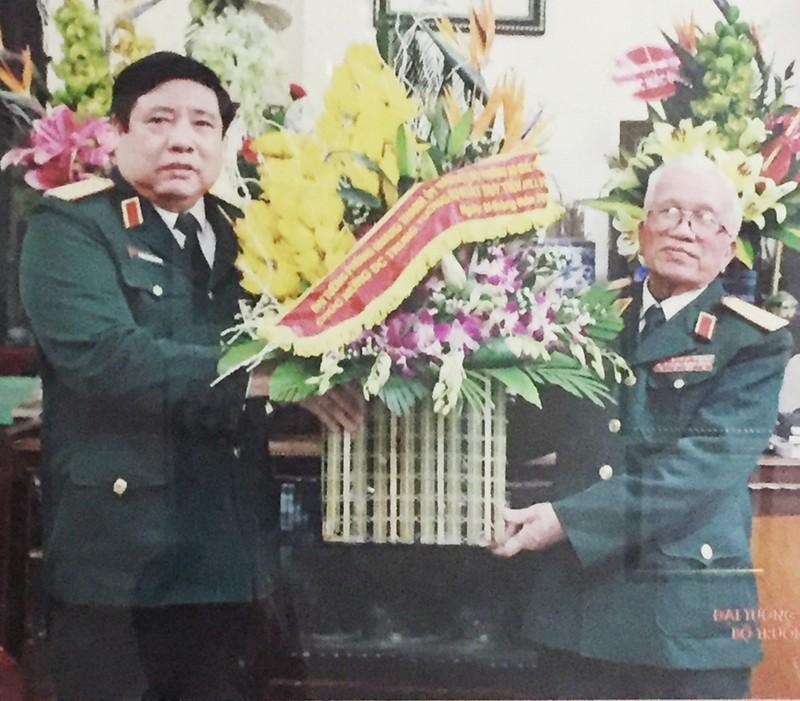 Dai tuong Phung Quang Thanh va nguoi thu truong cu