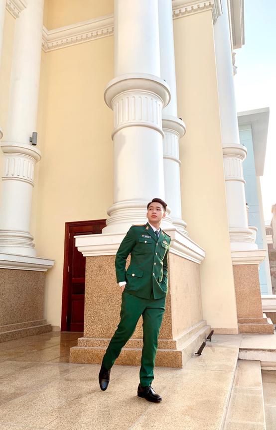 Trung uy dien trai tung la thu khoa: Dam me ca hat-Hinh-6