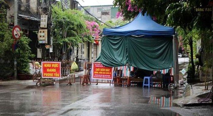 Diem tin sang 23/9: Loi khai doi tuong chem chet nguoi truoc cua nha-Hinh-7