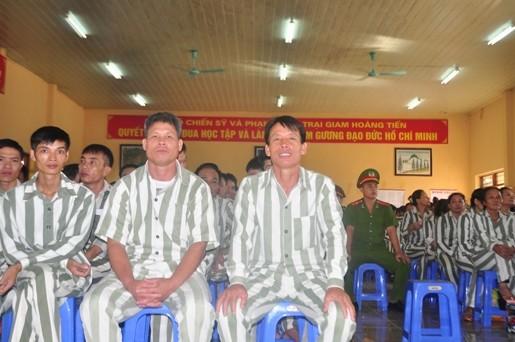 Dac xa 2/9: Ong Doan Van Vuon hoi hop doi phut giay doan tu