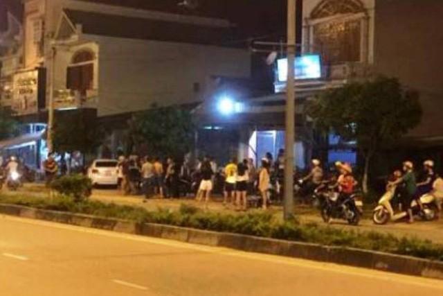 Quang Ninh: Hai nhom con do chem nhau loan xa, ca khu pho that kinh
