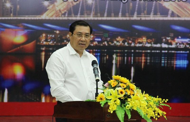 Bat doi tuong thu 2 nhan tin de doa Chu tich Da Nang