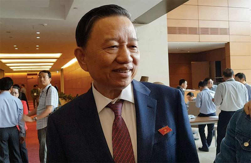 """Bo truong To Lam: Bo so ho khau...nhung """"chac chan phai co quan ly"""""""