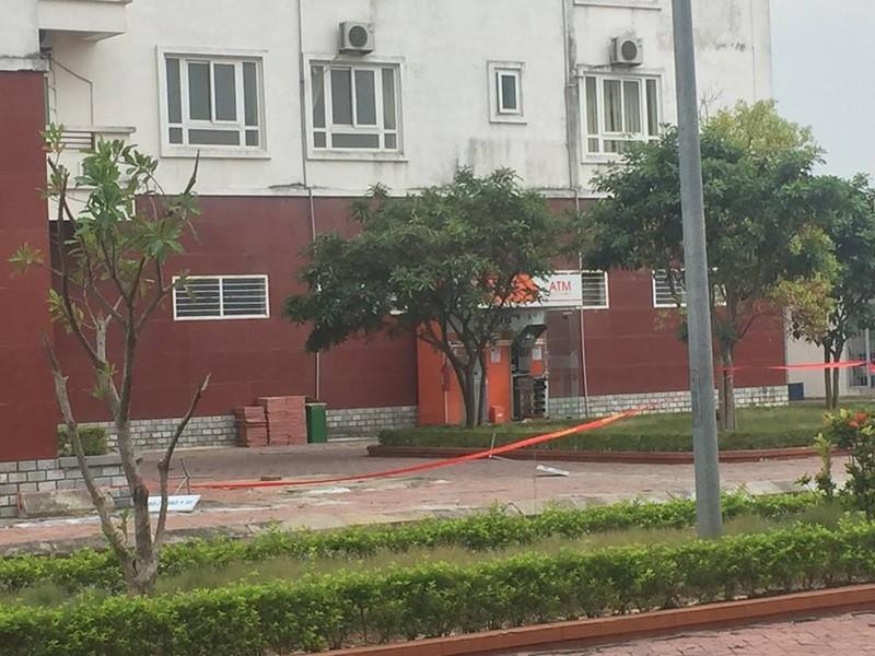 Nong: Phat hien 10 thoi nghi thuoc no tai cay ATM SHB o Quang Ninh