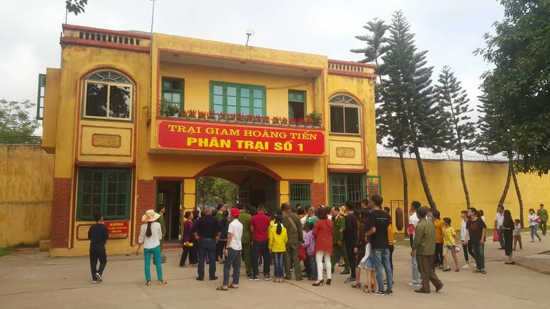 Pham nhan trai giam Hoang Tien duoc an o lao dong nhu the nao?