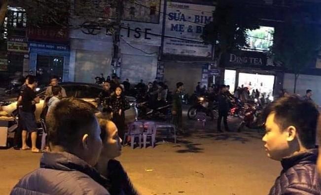 Hai Duong: Hai nhom thanh nien hon chien kinh hoang truoc quang truong-Hinh-2