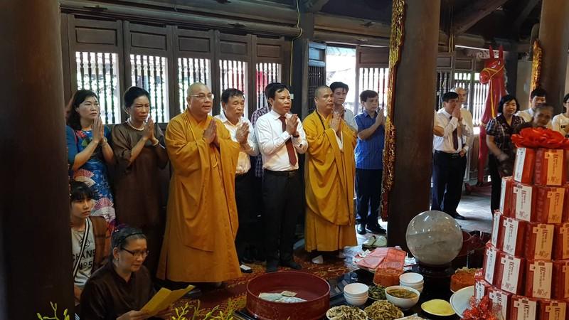 "Hang nghin nguoi du le hoi den Bia, tuong nho vi ""Thanh thuoc Nam"" Tue Tinh-Hinh-3"