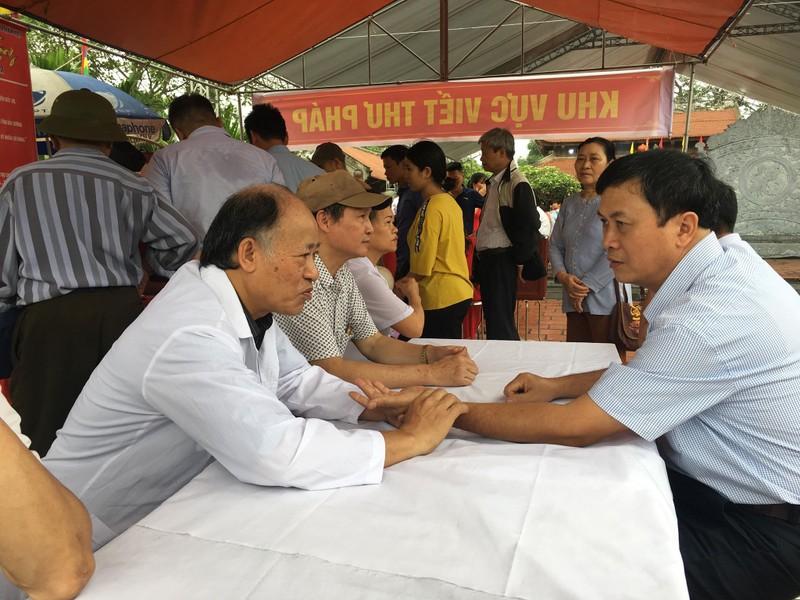 "Hang nghin nguoi du le hoi den Bia, tuong nho vi ""Thanh thuoc Nam"" Tue Tinh-Hinh-6"