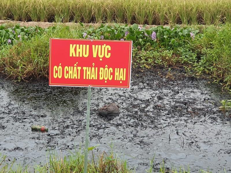 Muong nuoc chat thai doc hai o Hai Phong: Cong an dang dieu tra