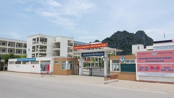 Quang Ninh: Cong an se lam gi doi tuong rach mat nu sinh o nha ve sinh?