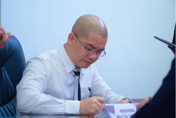 Khoi to Chu tich HDQT Cong ty CP dia oc Alibaba Nguyen Thai Luyen