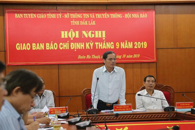 Xac minh thong tin nu Pho phong Hanh chinh chua co bang cap 3