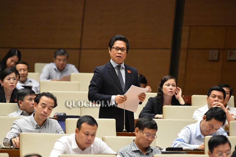 Nguyen nhan ba Nguyen Thi Quyet Tam luon nghen ngao noi ve gio lam, tien luong cong nhan?