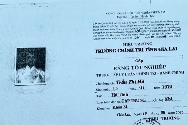 Hieu truong o Gia Lai xai bang gia thang tien: Quan so hay huyen bo nhiem, phai chiu trach nhiem?