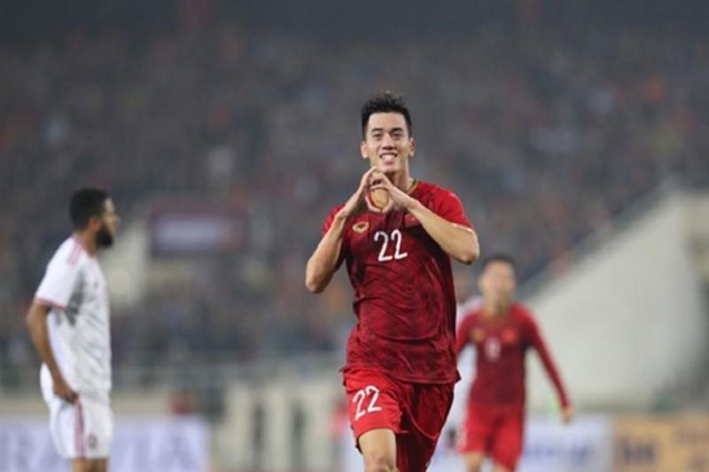 """40 qua cau da """"tran yem"""" san My Dinh co that khong... gio luu lac chon nao?-Hinh-2"""