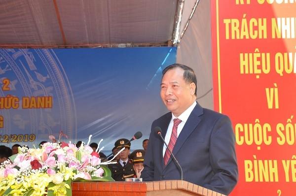 Hang tram can bo cong an chinh quy ve xa o Hai Duong: Van con kho khan-Hinh-4