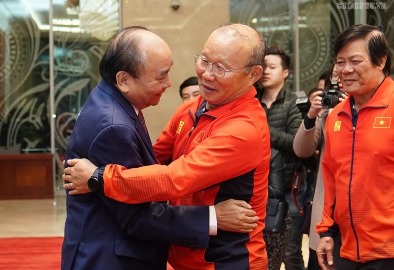 Thu tuong gap 2 doi bong da vo dich SEA Games 30: Rang ro non song dat Viet-Hinh-2