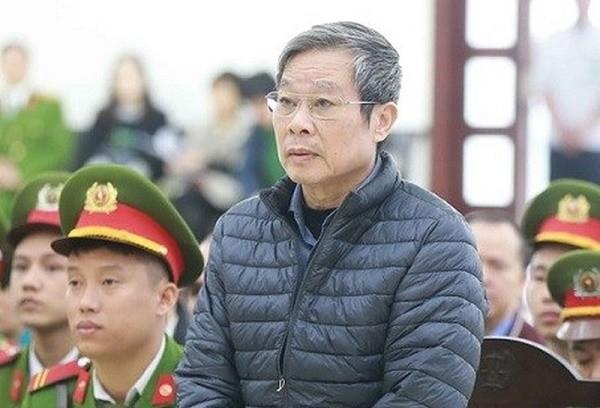 """Vu AVG: Biet bo doi loi khai """"khong dua tien"""", con gai ong Nguyen Bac Son khong den toa?"""
