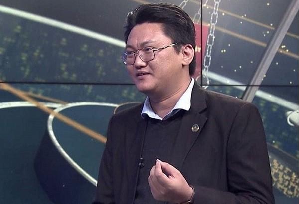 """Giam doc Ngan hang Nha nuoc CN Phu Yen uu ai nu truong phong: Co quan he gi """"la""""?-Hinh-3"""