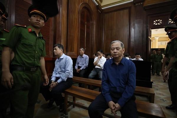 Cuu Pho CT TPHCM Nguyen Huu Tin: Tu quyen luc den an de nghi 8 nam tu