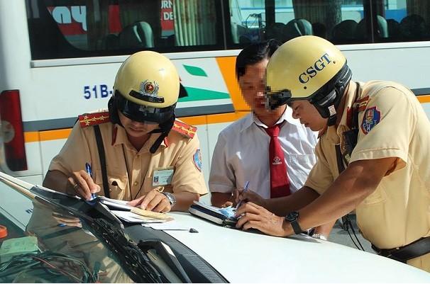 Nguoi dan duoc giam sat, ghi hinh CSGT: Lam sao de dung luat?