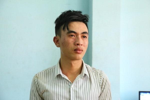 Thanh nien vao tru so cong an dam chet dan phong: Xich mich gi gay an?