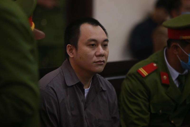 Container dam Innova di lui tren cao toc: Tai xe Le Ngoc Hoang bi tuyen 4,5 nam tu co oan?