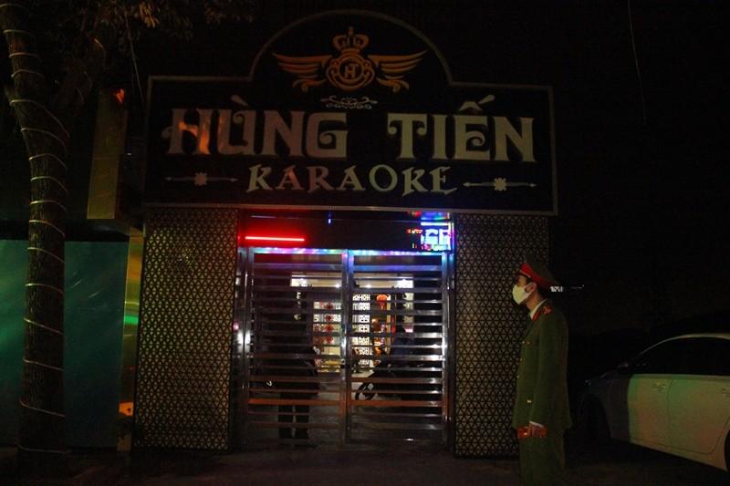 Hai Phong: Ky cam ket dung hoat dong, Karaoke Hung Tien van dieu nu nhan vien tiep khach