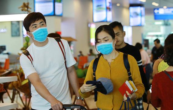 TP.HCM phat nguoi khong deo khau trang, Ha Noi, Da Nang...the nao?