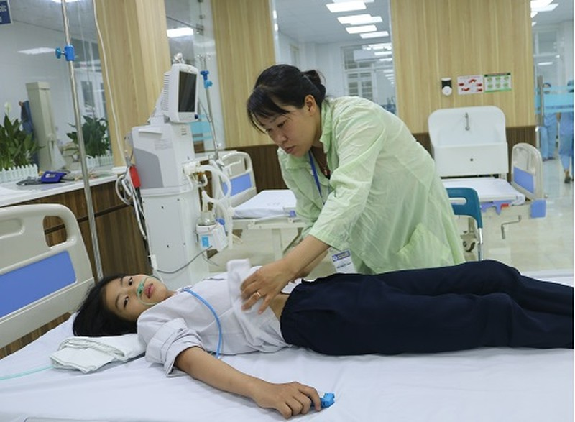 Hoc sinh Hai Phong co bieu hien ngo doc khi uong nuoc ngot: Cong an vao cuoc