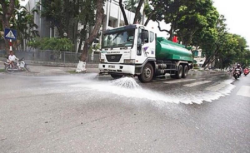 """Ha Noi chi 114 ty rua duong chong nang: Tien co """"chay nham chuong""""?"""