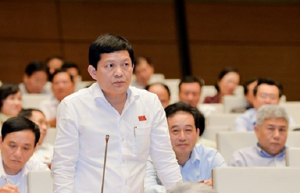Ong Pham Phu Quoc co 2 quoc tich: Xem xet bai nhiem DBQH, dinh chi chuc vu TGD Tan Thuan