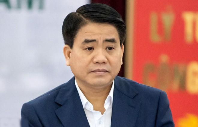 """Nhin thang """"cong - toi"""" ve ong Nguyen Duc Chung"""