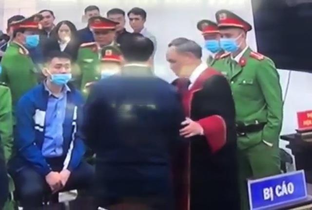 Bat tay bi cao Nguyen Duc Chung, tham phan Truong Viet Toan noi gi?