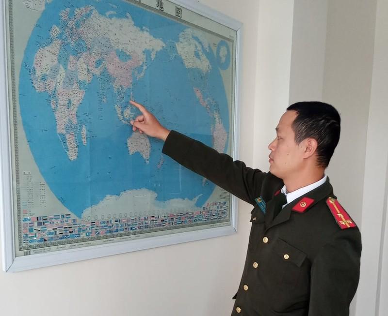 """Hai Duong: Phat hien doanh nghiep Trung Quoc treo ban do """"duong luoi bo"""""""