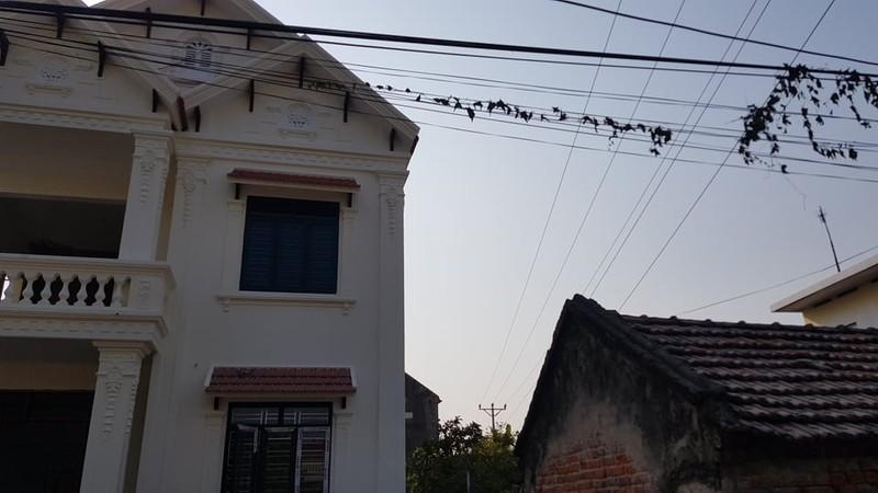 "Duong dien 35kv sat nhieu nha dan: Dung ""mat bo moi lo lam chuong""?-Hinh-3"