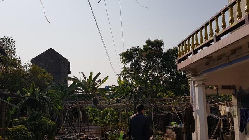 "Duong dien 35kv sat nhieu nha dan: Dung ""mat bo moi lo lam chuong""?-Hinh-9"