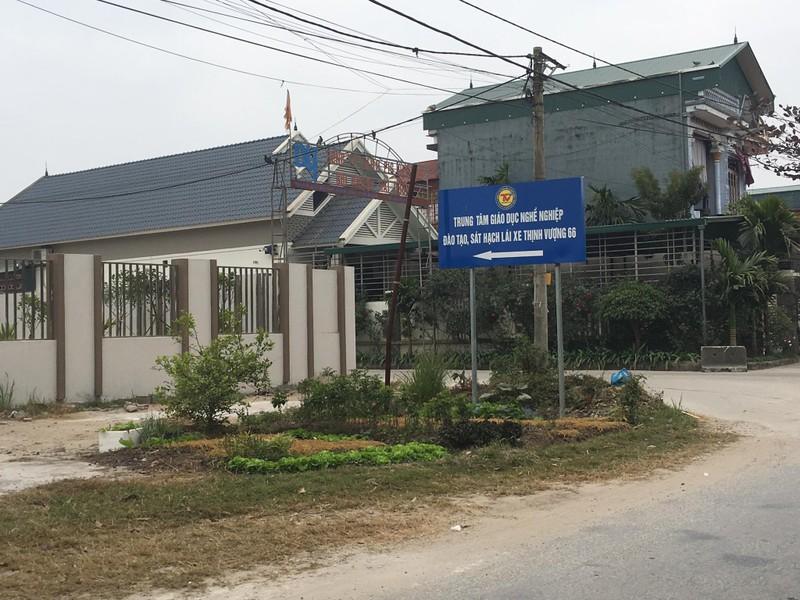 Trung tam dao tao lai xe Thinh Vuong 66 thi cong... khong phep