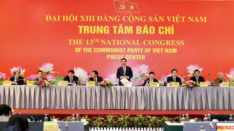 Sua dieu le Dang hay khong, do Dai hoi XIII quyet dinh
