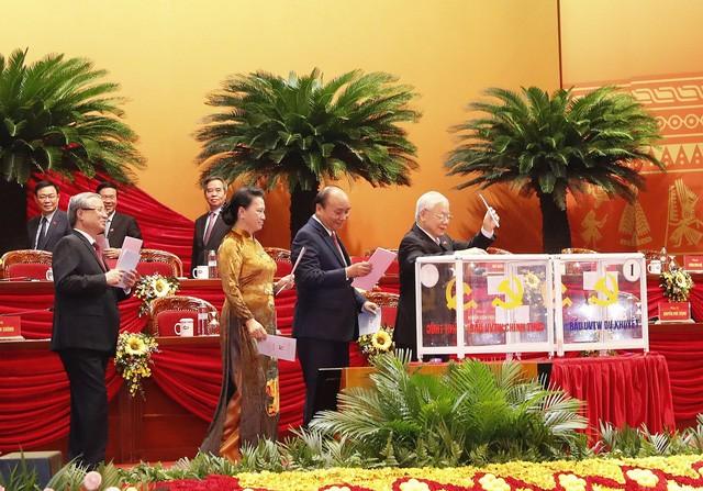 Cong bo danh sach 200 Uy vien BCH Trung uong Dang khoa XIII-Hinh-2