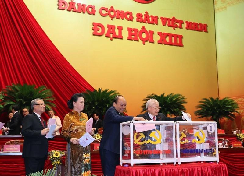 Ngay mai 31/1, Ban Chap hanh Trung uong khoa XIII bau Tong Bi thu