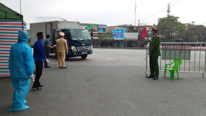 Hai Duong: Thuc hien phong, chong dich benh trong cac doanh nghiep la cap bach-Hinh-2