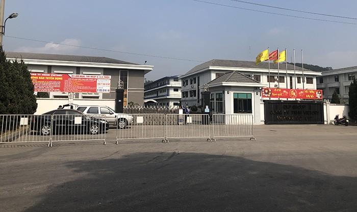 COVID-19 Hai Duong: Xi mang Hoang Thach bi phong toa, nhieu doanh nghiep tam dung-Hinh-2