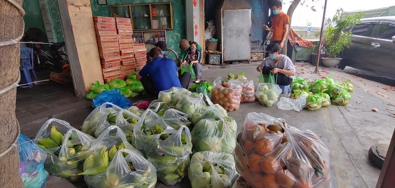 8.000 cong nhan trong khu phong toa o Hai Duong vui mung nhan duoc ho tro-Hinh-5
