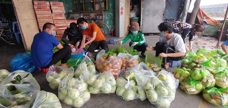 8.000 cong nhan trong khu phong toa o Hai Duong vui mung nhan duoc ho tro-Hinh-8