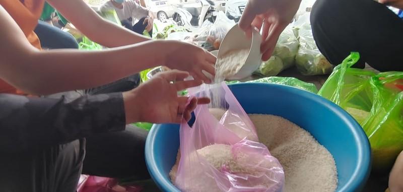 8.000 cong nhan trong khu phong toa o Hai Duong vui mung nhan duoc ho tro-Hinh-9