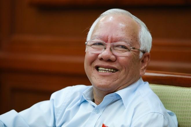 Vi sao nguyen Chu tich TP HCM Le Hoang Quan thoat trach nhiem hinh su?
