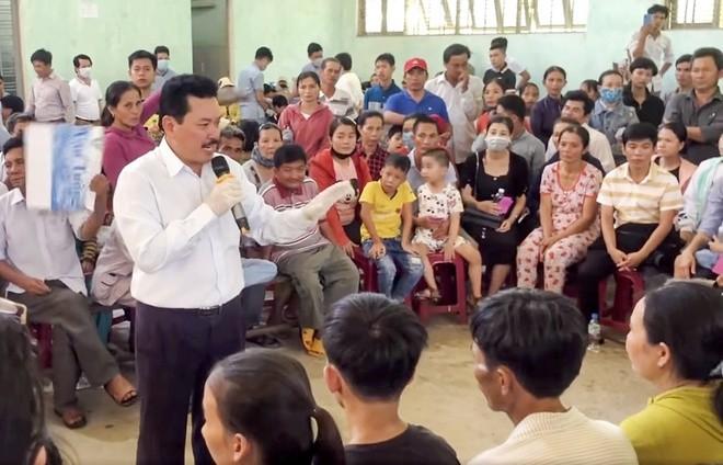 Chi sai 200 trieu moi Vo Hoang Yen chua benh: Lanh dao huyen co bi ky luat?