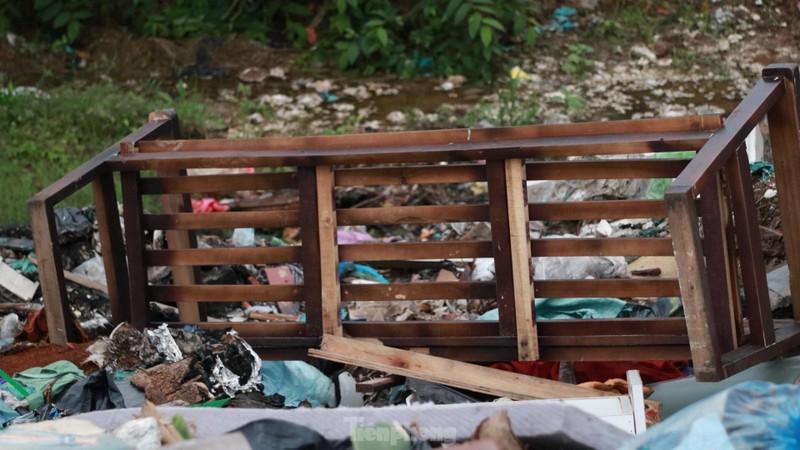 Bai rac tu phat khong lo keo dai tren doan duong 'tram ty' o Ha Noi-Hinh-5