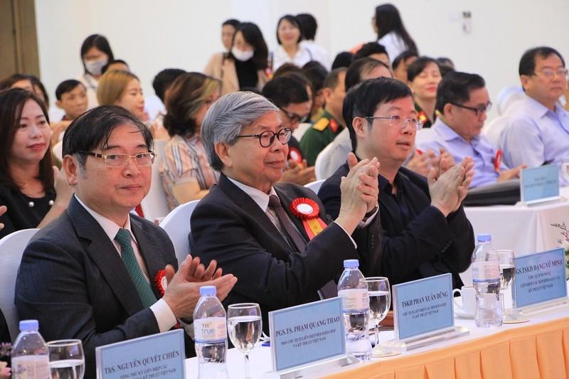 """Chu tich VUSTA Phan Xuan Dung: """"Bao Tri thuc va Cuoc song khoi day, gan ket doi ngu tri thuc Viet Nam""""-Hinh-2"""